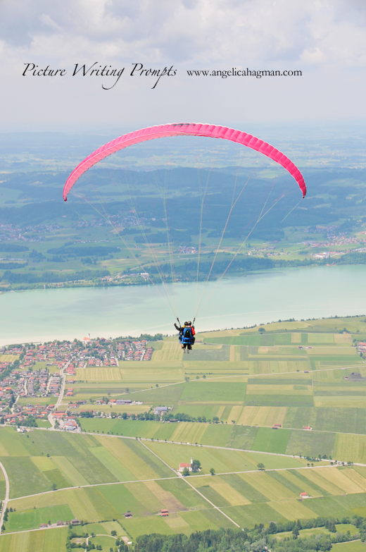 PictureWritingPrompt-paragliding